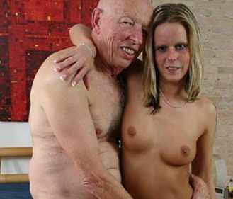 Opa Fickt Enkelin In Den Arsch